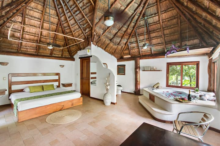 Exclusive villa /  Private pool, jacuzzi & Nature