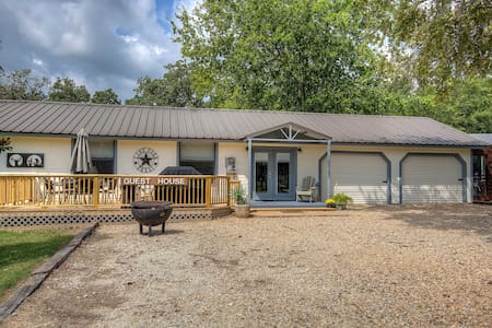 Kick Back and Relax on Lake Fork! - Guesthouse