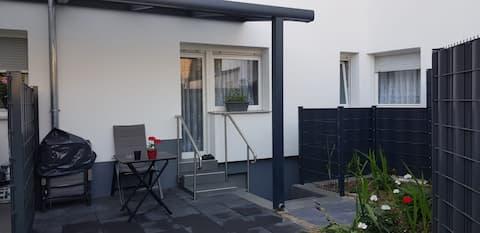 Komplett neu renoviertes, schickes 48 qm Apartment