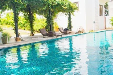 Luxury Boutique Serviced Apartment, Candolim,Goa