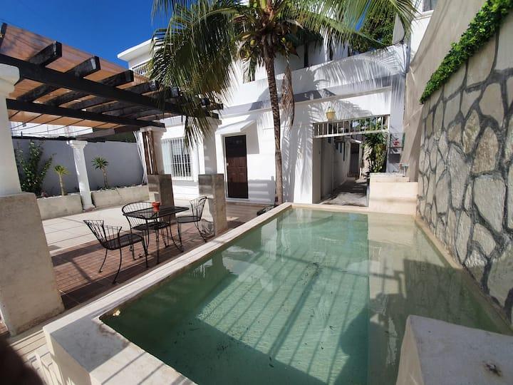 La Vecindad, estudio DBL en el centro de Cancún.