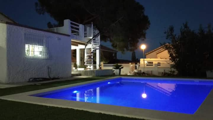 Casa con encanto LA ZENIA PLAYA 🏖/ piscina 🏊♂️ priv