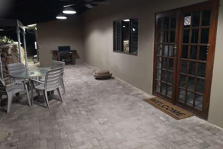 Είσοδος στο δωμάτιο χωρίς σκαλοπάτια