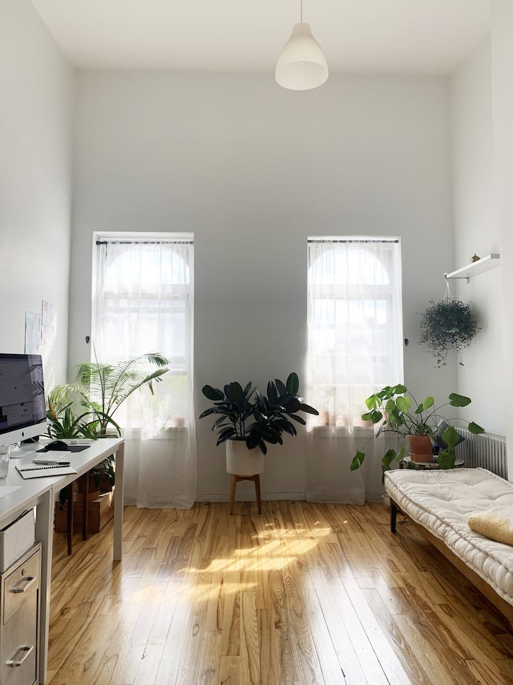 Entire Zen Brooklyn apartment. Chic & clean!