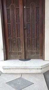 wide door entrance 47 inches wide