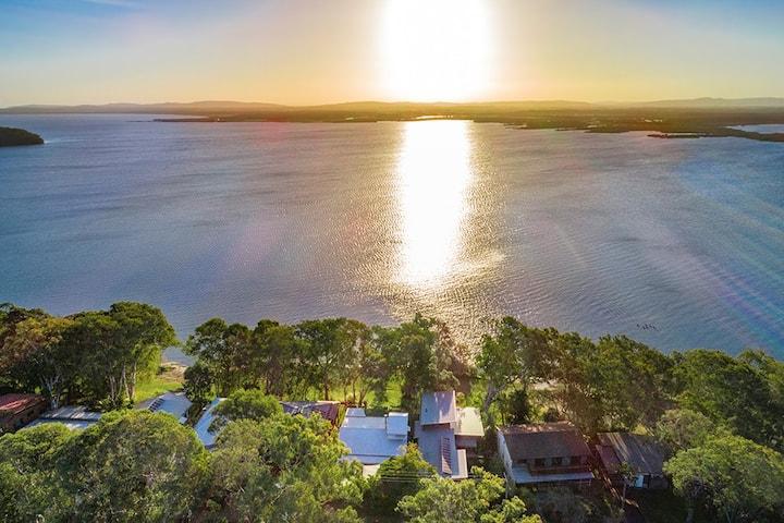 Villa Belza, lakeside cottage near the beach