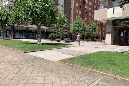 Pavimento entrada edificio