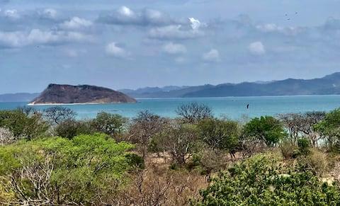 Tu base en Bahia Salinas, La Cruz, Guanacaste