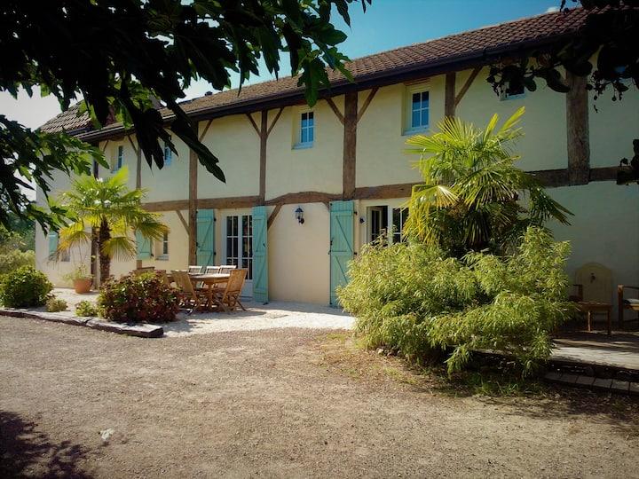 Villa de charme  4* piscine - billard - 10 pers.