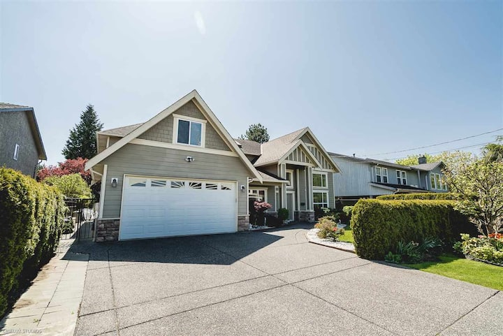 A Home! -Private two-bedroom suite in Ladner/Delta