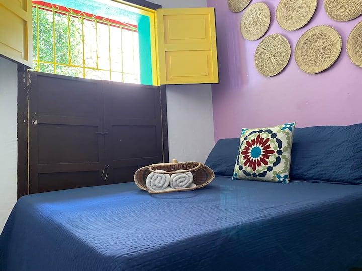 CASA SAN JUAN-Private room in Artsy Street