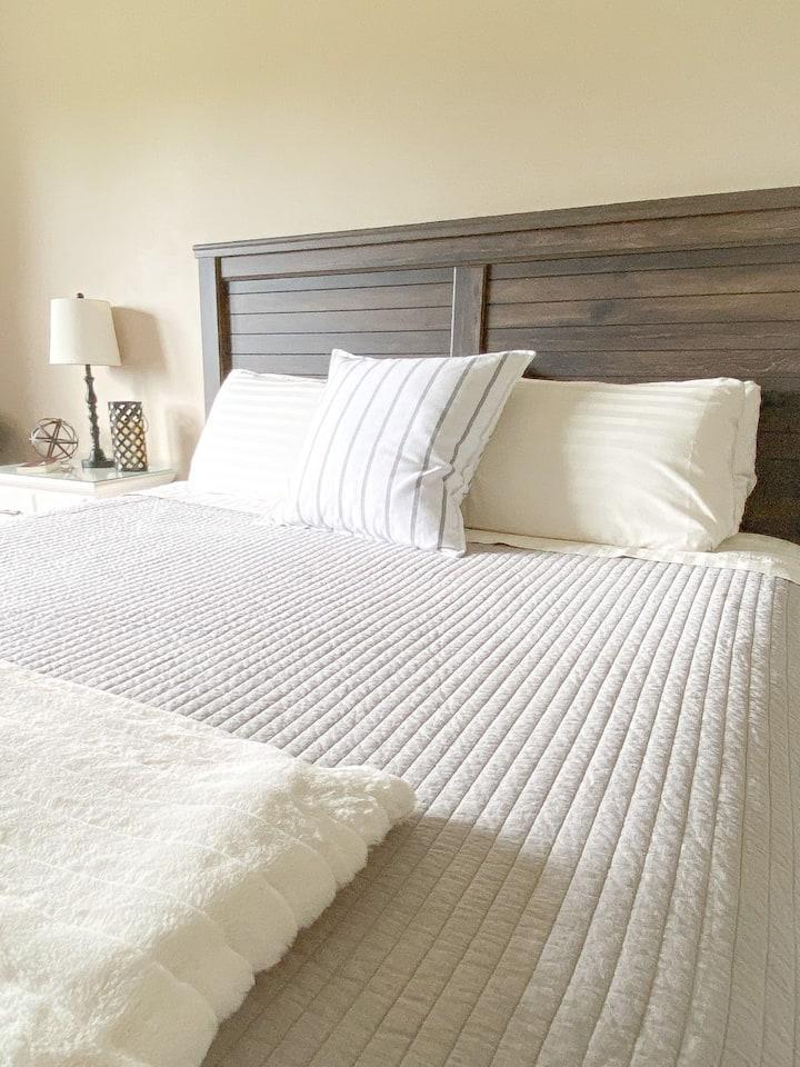 Eagles Rest Bed & Breakfast (room 2) Near Clemson!