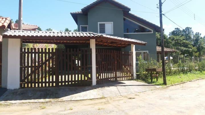 Casa na Costa do Sol; piscina; wi-fi (condomínio)
