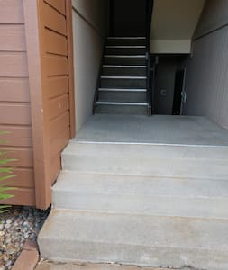 This is the front entrance. About 10 steps.