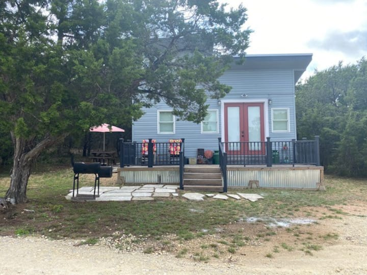 Hidden Hills Hideaway-Gateway to the Hill Country