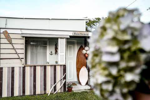 Seachance | stylowy dom plażowy z lat 50-tych w Bicheno