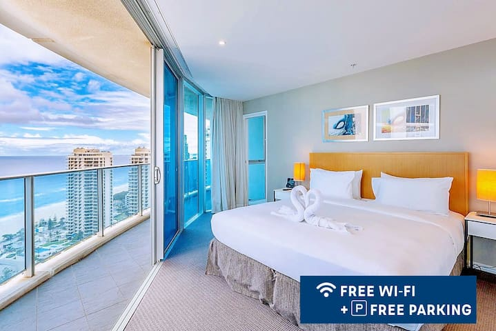 Main bedroom. Has a super king-size bed. Wonderful ocean view, sunny, clean and spacious, linen comfortable.