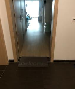 Nu există scări sau trepte la intrare