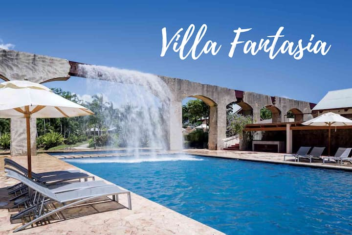 Villa Fantasia  Ritz Resort- Close to pool & beach