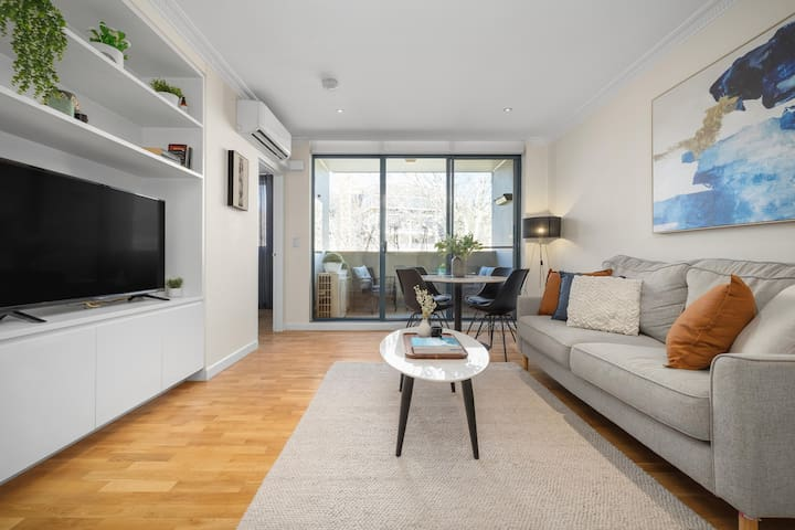 Modern apartment in the heart of Surry Hills