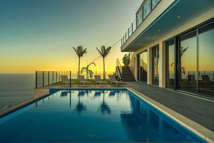 Villa Panorama / Luxury Villa in Arco Da Calheta