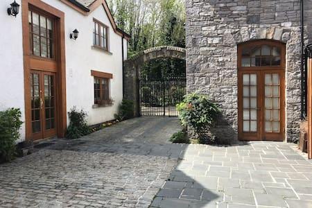 Acesso sem degraus até a entrada principal