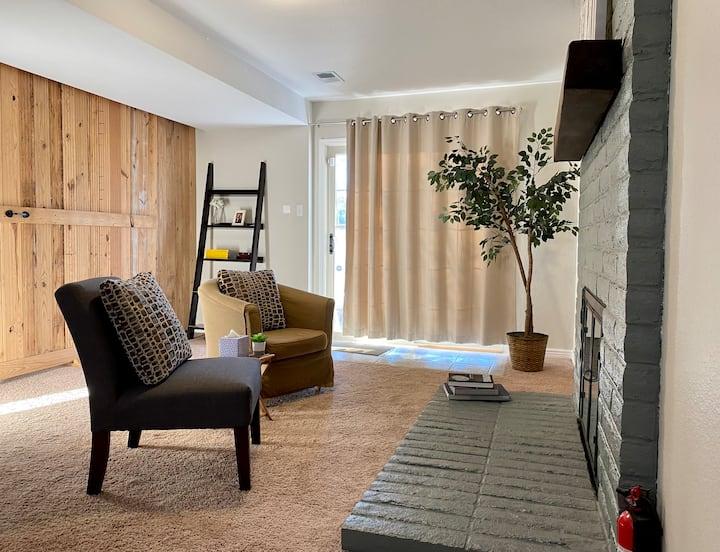 Denver, Red Rocks, Green Mnt., Golden Suite