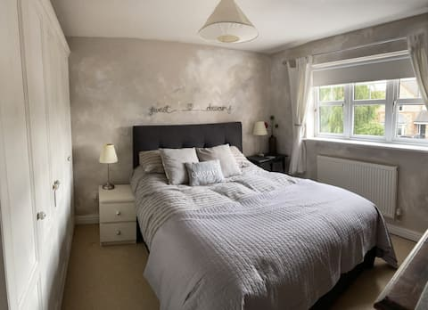 Lovely private room and living space in Elloughton