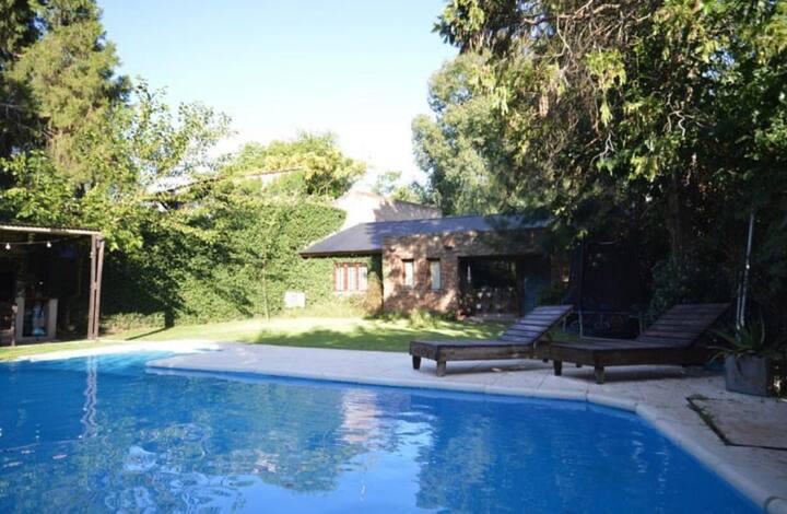 Casa en Parque Leloir