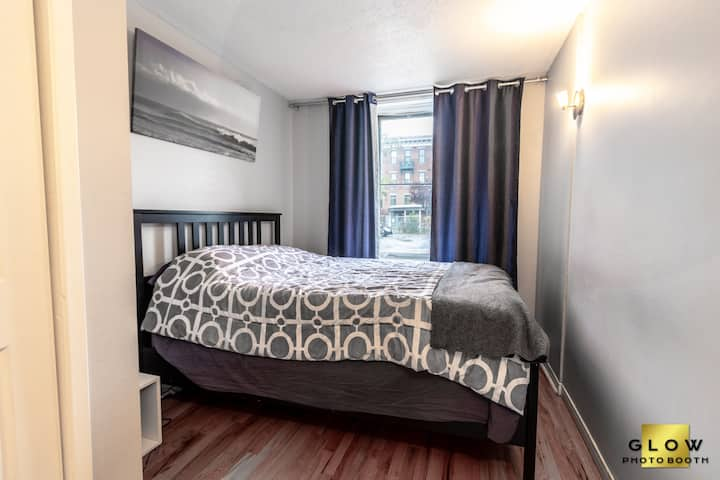 ByWard Market Apt // Parking & Amazing Location!!