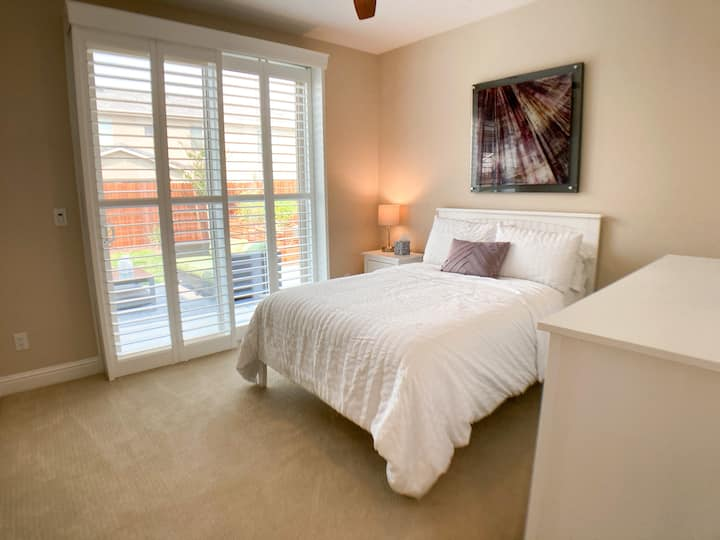 Upscale Guest Suite *Perfect for Traveling Nurses*