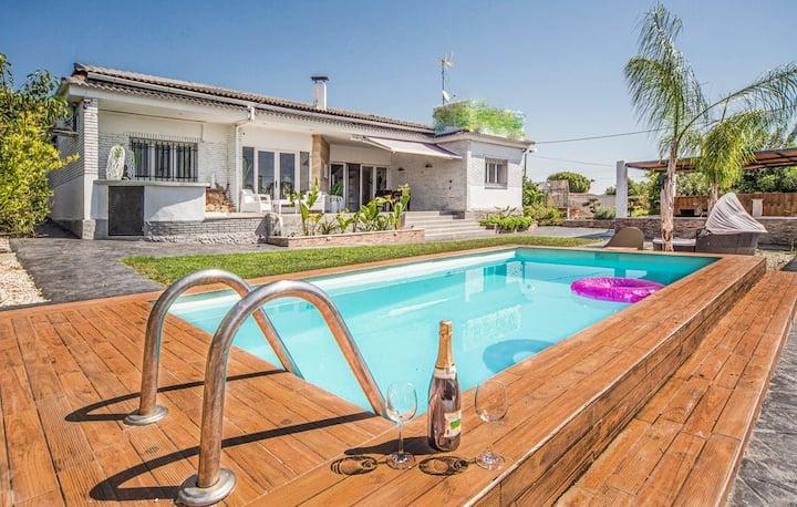 Villa mediterránea: Piscina, ChillOut, BBQ