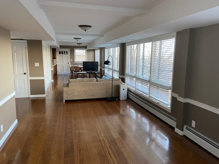 Large Studio Apartment on Todt Hill