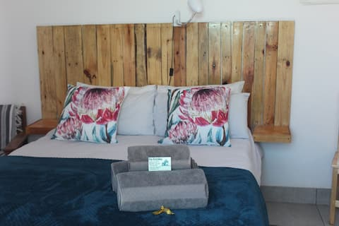 Ons Dorpshuis airconditioned family room 4 people
