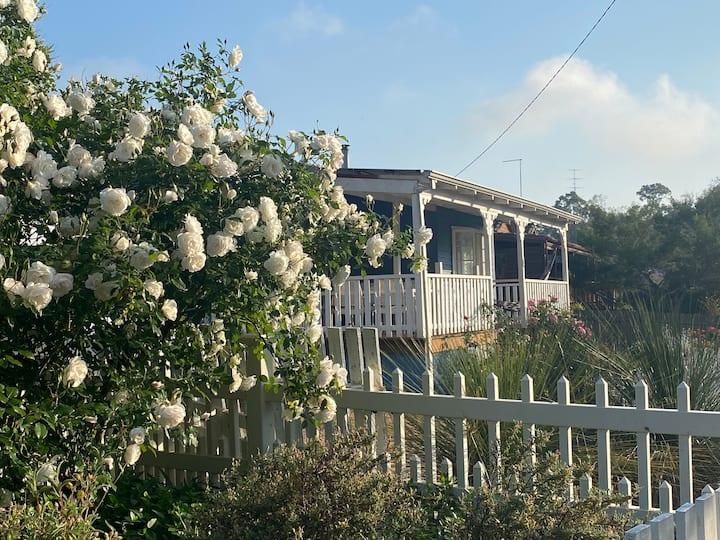 Dwellingup Retreat overlooking forrest free NBN