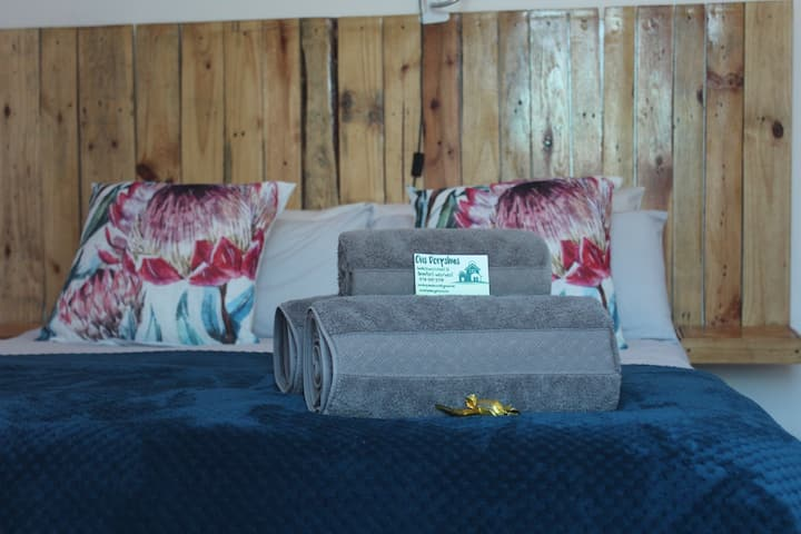 Ons Dorpshuis airconditioned Double Room sleeps 2