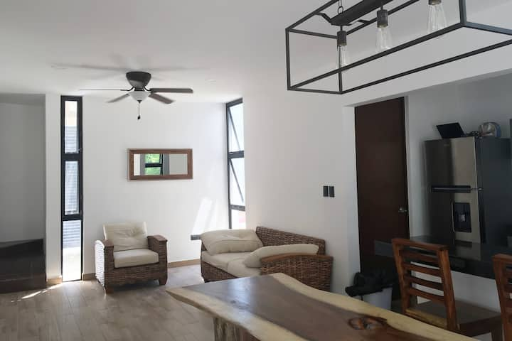 3 floor villa, sanitized, club access beach