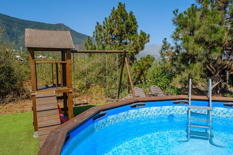 Rustic House La Piñera, Pool & Wifi
