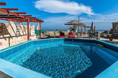Ocean View Villa in Havana with Pool 2bd/2ba