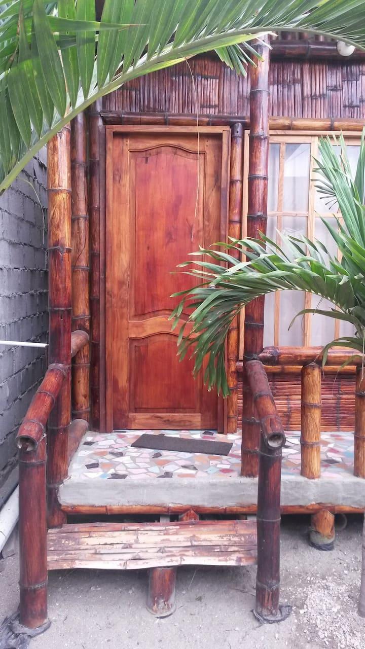 Habitación triple de Cabañas Oasis de San Pablo EC