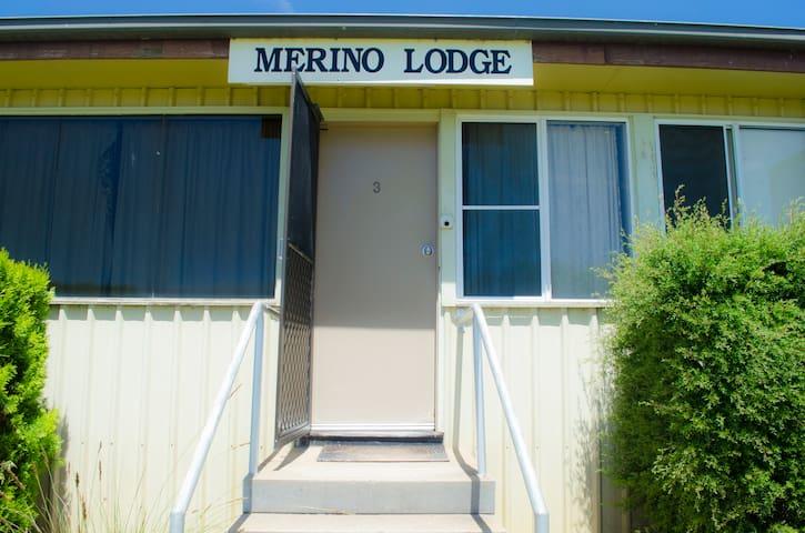 Heritage Park Bathurst - Merino Lodge 3
