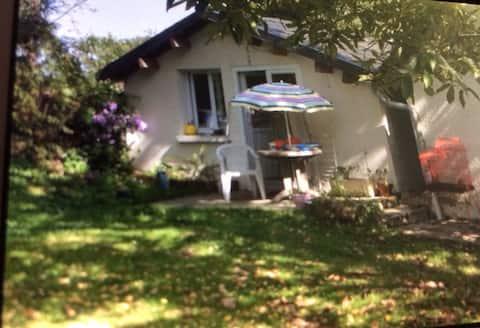 petite maison a la campagne avec jardin privatif