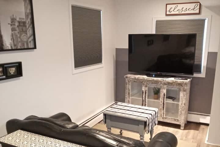 Cozy Catonsville Suite