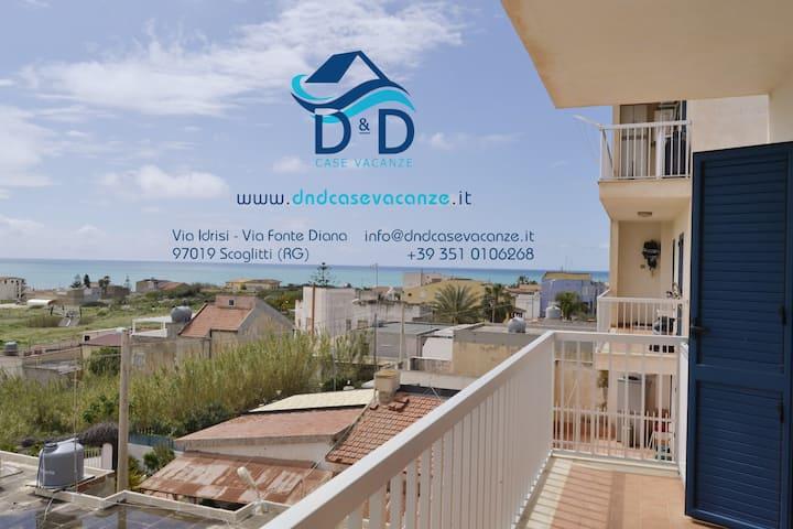 """D&D Case vacanze """"Kamarina""""- Scoglitti (RG)"""