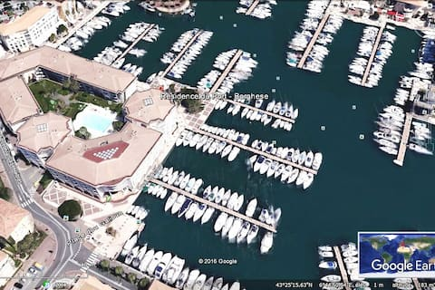 Port Fréjus beau studio 3 *** piscine wifi parking
