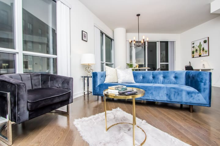 ✰✰Breathtaking High-Rise 1bed Downtown✰✰
