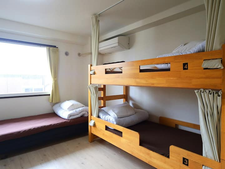 5pax room for LCC users (with bathroom)