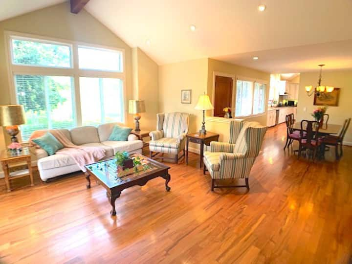 NEW! CALISTOGA WINE COUNTRY HOLIDAY HOME
