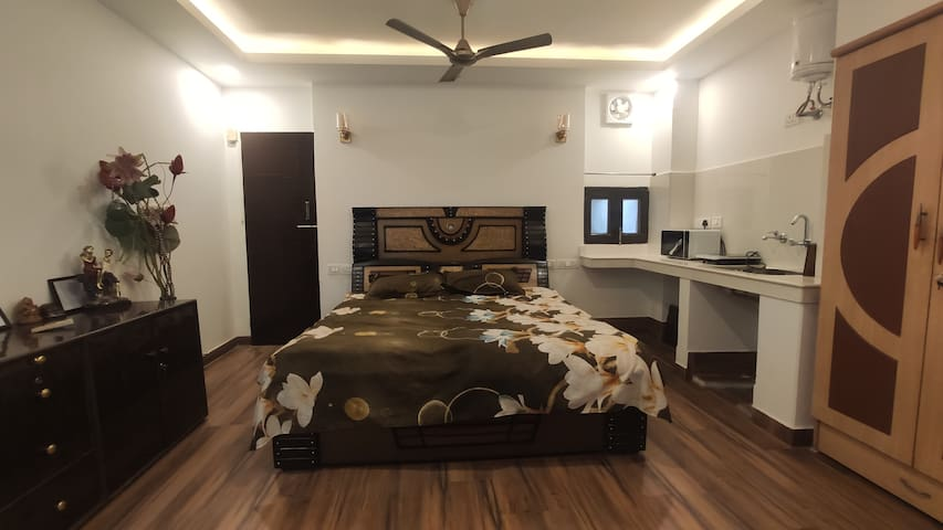 Main Room- King Size Bed