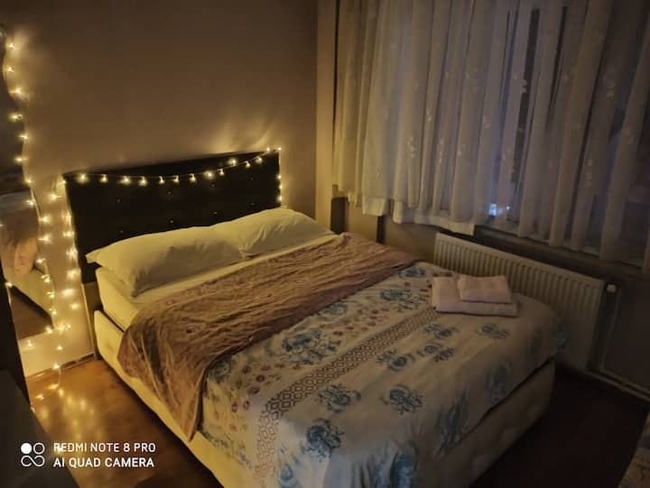 Cosy room very center of Kadikoy. Best Location!